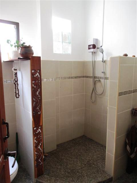 NKM bathroom shower