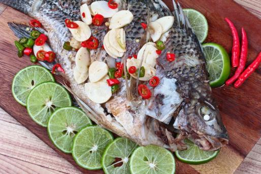 Steamed lime carp-fish